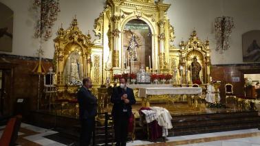 La familia de D. Juan del Río dona parte de su ajuar litúrgico a la Hermandad del Gran Poder